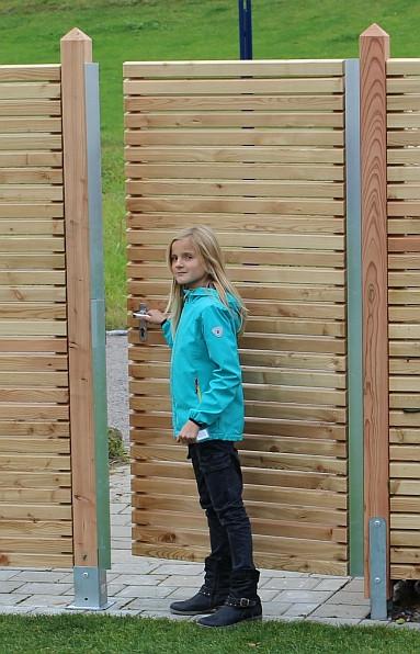 Hliníková brána, modřín 300401
