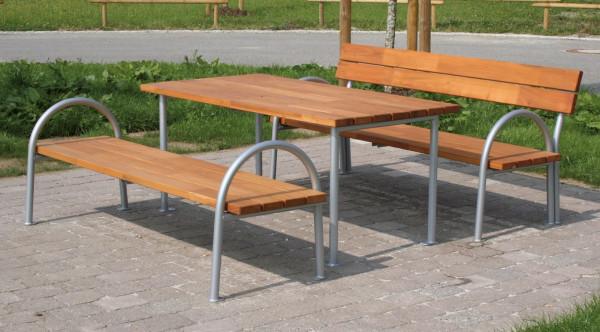 Stůl k modřínovým parkovým lavicím