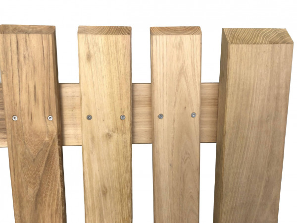 Zahradní branka z akátového dřeva